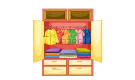 en los armarios hay ropa como : camisolas vestidos playeras